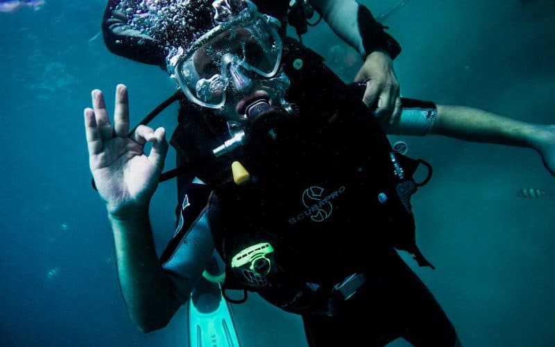 how to protect your ears when scuba diving